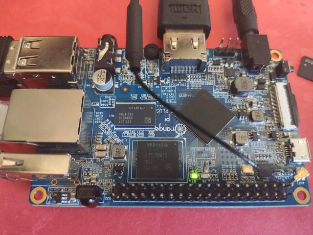 Orange_Pi_PC_Plus_First_Powerup.jpg
